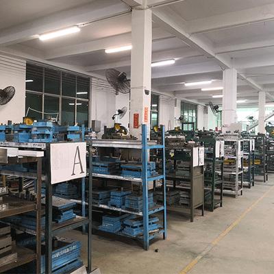 Commercial lighting fixture suppliers